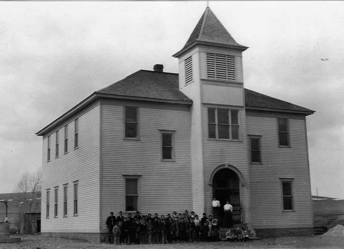 School_at_Utica_Montana(3)