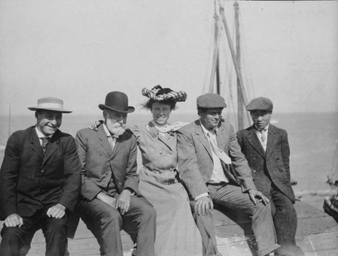 De Crew and Officers c1907
