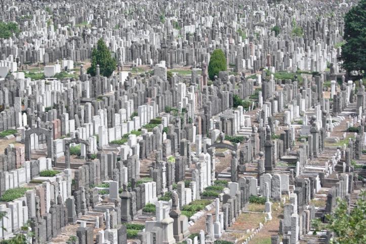 depositphotos_9893597-stock-photo-calvary-cemetery.jpg